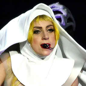 lady-gaga-news-upsets-chatolics