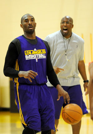 kobe-mike-brown-latest-NBA-news,-lakers